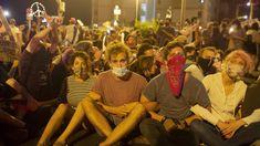 Ισραήλ: Στάση εργασίας και διαδηλώσεις μετά τον ομαδικό βιασμό 16χρονης Couple Photos, Couples, Couple Shots, Couple Photography, Couple, Couple Pictures
