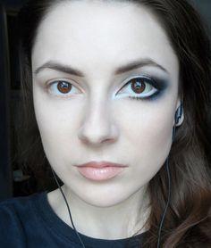 Eye Enlarging Makeup Tutorial - #largeeyes #bigeyes #eyehack #eyemakeuphack #eyeshadow #liz-breygel - Love beauty? Go to bellashoot.com for beauty inspiration!