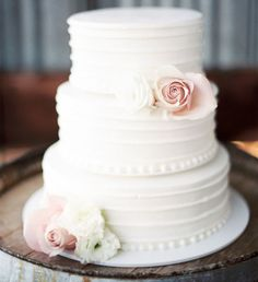 White Wedding Cakes This is a simple cake with flowers that will match the colors we are looking at. - Oregon Wedding from Erich McVey Photography Elegant Wedding Cakes, Wedding Cake Designs, Trendy Wedding, Rustic Wedding, Dream Wedding, Wedding Dj, Wedding Wishes, 3 Teir Wedding Cake, Unique Weddings