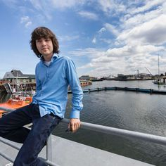 """When he was 16 Boyan Slat came up with a plan to use giant floating """"curtains"""" to clean the world's oceans before the rubbish chokes all the fish. Boyan Slat, Oceans Of The World, Dutch, Inspire, Cleaning, Fish, Curtains, Blinds, Dutch Language"""