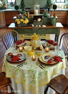 Love this table setting, and I have these fish plates.