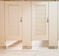 Ironwood Manufacturing Louvered Toilet Parion Doors