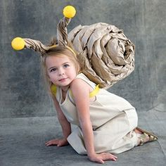 Snail Costume tutorial if i have a daughter this would be her Halloween costume Diy Halloween Costumes For Kids, Cute Costumes, Carnival Costumes, Baby Costumes, Costume Ideas, Diy Carnival, Zombie Costumes, Unique Costumes, Halloween Couples