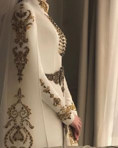 Look like royalty on your special day with this beautiful hand finished couture gown! Tag a bride who would love this dress! Pretty Dresses, Beautiful Dresses, Hijab Fashion, Fashion Dresses, Mode Abaya, Fantasy Dress, Costume Design, Designer Dresses, Ideias Fashion