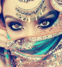 "Find and save images from the ""Arab Beauty"" collection by ريـــاح الـــصحـــراء (arabgirl) on We Heart It, your everyday app to get lost in what you love. Arabian Eyes, Arabian Makeup, Arabian Beauty, Arabian Nights, Secret And Whisper, Maquillaje Halloween, Exotic Beauties, We Are The World, Belly Dancers"