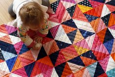 Modern Quilting for a Half Square Triangle quilt — Stitched in Color Longarm Quilting, Quilting Projects, Quilting Designs, Sewing Projects, Half Square Triangle Quilts Pattern, Half Square Triangles, Quilt Block Patterns, Quilt Blocks, Flowering Snowball Quilts