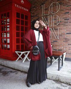Stylish Hijab, Casual Hijab Outfit, Ootd Hijab, Style Hijab Simple, Skirt Outfits Modest, Street Hijab Fashion, Hijab Fashion Inspiration, Pleated Skirts, Clothes