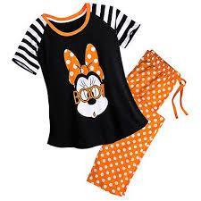 halloween diney pajamas - Ricerca Google Disneyland Halloween Party, Halloween Pajamas, Minnie Mouse Halloween, Disney Halloween, Halloween 2017, Disney Pajamas, Disney Merchandise, Pj Sets, Pajama Set