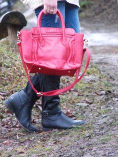 http://www.amiclubwear.com/accessories-handbags-ami88-xlb01mred.html  http://www.amiclubwear.com/shoes-boots-fli-claudia-59black.html
