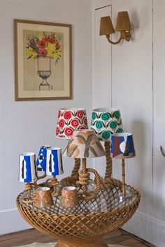 Showroom, Lamp Inspiration, Painting Lamp Shades, Painted Plant Pots, Lampshade Designs, Cabinet Of Curiosities, I Love Lamp, House Made, Lampshades