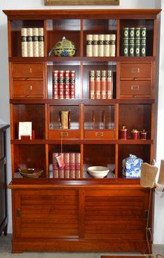 Librería md. 4-383  cerezo Medidas: 1,26 largo x 0,35 fondo x 2,07 alto.  Consultar precio con descuento especial.