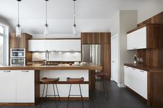 040 - Simard Cuisine et Salle de bains Home Decor Kitchen, Kitchen Design, Contemporary Kitchen Inspiration, Home Decor Styles, Living Room Designs, Kitchen Remodel, Sweet Home, House Design, Furniture