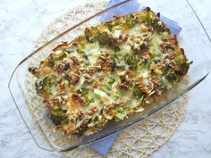 Broccoli casserole with walnuts and mozzarella (low in carbohydrate) - Looking for a tasty and easy low-carb meal? Then this broccoli casserole with walnuts is a good ide - Mozzarella, Quiche, Low Carb Recipes, Healthy Recipes, Go For It, Broccoli Casserole, Healthy Side Dishes, Quick Meals, Good Food