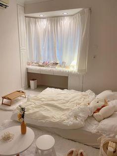 Room Design Bedroom, Small Room Bedroom, Study Room Decor, Pastel Room, Small Room Design, Minimalist Room, Aesthetic Room Decor, Cozy Room, Dream Rooms