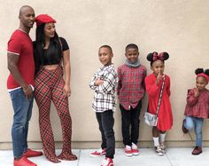 Image Source by outfits for teens Source by KidsBabyMomFashion outfits for teens Family Portrait Outfits, Family Picture Outfits, Family Portraits, Family Photos, Cute Family, Baby Family, Family Goals, Beautiful Family, Family Matters