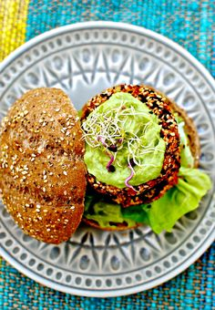 "kimchi quinoa burger with avocado jalapeño ""mayo"" by food to glow"