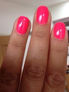Gelish - Brights have more fun - Gelish - Brights have more fun - Hot Nails, Pink Nails, Hair And Nails, Gelish Nail Colours, Shellac Nails, Fall Acrylic Nails, Fall Nails, Jouer Au Poker, Great Nails