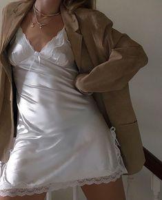 How to style a slip dress / summer ootd / oversized blazer / blazer looks