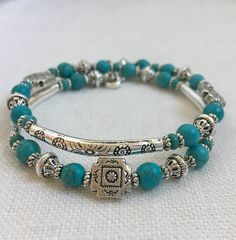 Wire Jewelry Southwestern Turquoise and Silver Memory Wire Bracelet Turquoise Jewelry, Boho Jewelry, Turquoise Bracelet, Beaded Jewelry, Jewelry Accessories, Handmade Jewelry, Jewelry Design, Handmade Bracelets, Jewelry Ideas