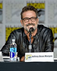 """Jeffrey Dean Morgan Photos: Comic-Con International 2015 - 'Extant,' """"Limitless,' 'Scorpion,' 'Under The Dome' and 'Zoo'"""
