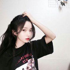 Read Na Hee from the story Ulzzang List by KimVlia (LITA) with reads. Biodata💕 Nama = Kim Na. Bff Girls, Girls Life, Ulzzang Korean Girl, Ulzzang Couple, Couple Shadow, Shadow Face, Kim Tae Hee, Girls With Black Hair, Girl Life Hacks