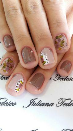 Flower Nail Designs, Pretty Nail Designs, Nail Art Designs, Stylish Nails, Trendy Nails, Nail Manicure, Toe Nails, Uñas Color Cafe, Nail Polish Style