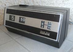 Alter elektrischer Klappzahlen / Rollzahlen Wecker KUNDO 2000 GERMANY,