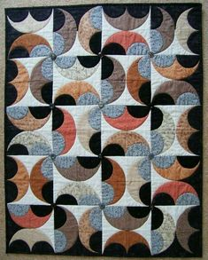 love quilts that show movement Quilting Projects, Quilting Designs, Sewing Projects, Scrappy Quilts, Patchwork Quilting, Drunkards Path Quilt, Sew Kind Of Wonderful, Pinwheel Quilt, Quilt Modernen