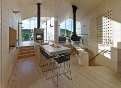 Ski In, Stroll Out: Reiulf Ramstad Designs a House for all Seasons in Norway