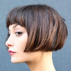 40 most flattering Bob hairstyles for round faces 2018 - Top Trends Short Bobs Haircuts Look Sexy and Charming! Bob Hairstyles For Round Face, Medium Bob Hairstyles, Haircuts With Bangs, Cool Hairstyles, Bob Haircuts, Hairstyle Ideas, Bob Haircut For Round Face, Bob Hairstyles 2018, Fashion Hairstyles