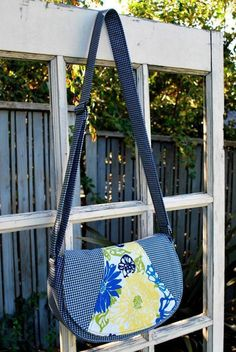 Swoon Rosie Crossbody Bag   YouCanMakeThis.com