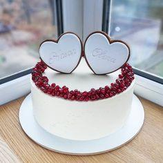 Kim K Cake – Cake Decororations Pretty Cakes, Cute Cakes, Beautiful Cakes, Amazing Cakes, Happy Anniversary Cakes, Wedding Anniversary Cakes, Wedding Cakes, Cake For Boyfriend, Valentines Day Cakes