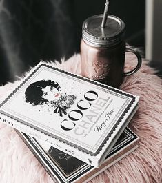 """Find and save images from the """"fashion books 📚"""" collection by Ofir on We Heart It, your everyday app to get lost in what you love. Boujee Aesthetic, Aesthetic Photo, Book Flatlay, Estilo Blogger, Inspirational Quotes About Success, Babe Quotes, Student Fashion, Books For Teens, Photo Instagram"""
