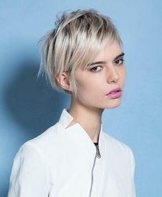 Capelli primavera e estate: onde free, linee nette, frange e blonde