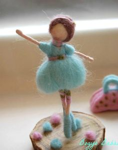 balerina (Needle felted Ballerina) Bogyó Babái - My WordPress Website Felt Angel, Wool Dolls, Needle Felting Tutorials, Felt Fairy, Waldorf Dolls, Fairy Dolls, Felt Toys, Wet Felting, Felt Ornaments