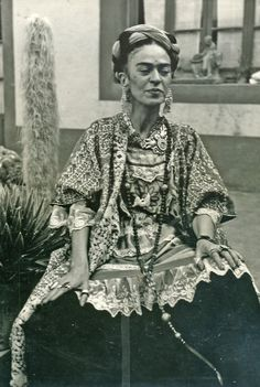 Frida. I wonder how old she is here, she doesn't look well.