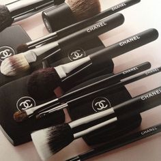Chanel Brushes and makeup