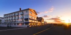 Hampton Beach New Hampshire Hotels | Ashworth by the Sea Hotel  Ashworth by the Sea offers captivating views overlooking award-winning beaches, as well as creative dining, superior service, well-appointed rooms, and a superb location on Hampton Beach, New Hampshire.