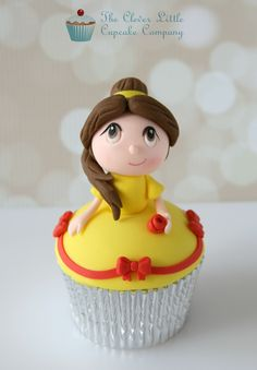 These cupcakes feature Kawaii version of Cinderella, Snow White, Rapunzel, Belle, and Princess Jasmine Kid Cupcakes, Fondant Cupcakes, Yummy Cupcakes, Cupcake Cookies, Amazing Cupcakes, Cakepops, Disney Food, Walt Disney, Disney Princess Cupcakes