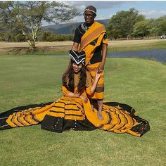 This is how a Xhosa newly wedding dresses like. She is called umakoti. Xhosa In south Africa clothes are a sign of respect to the new family African Print Clothing, African Print Dresses, African Fashion Dresses, African Outfits, South African Traditional Dresses, Traditional Fashion, Traditional Wedding, Traditional Clothes, Xhosa Attire