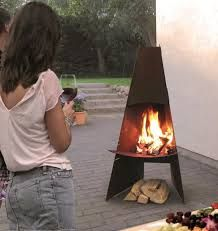 Wood fireplace & contemporary & open hearth & central - ADURO A& Fire Pit Patio, Outdoor Fire, Outdoor Living, Outdoor Decor, Outside Fireplace, Wood Fireplace, Chimnea Outdoor, Metal Fire Pit, Small House Design