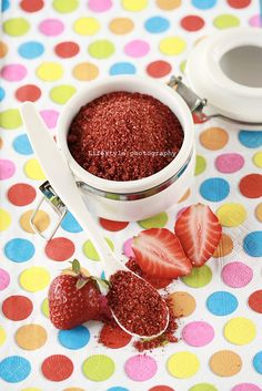 Raw strawberry powder (you can also make powders from beetroot for red or spinach for green)