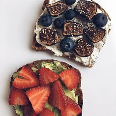 Two people who like this photo will receive my recipe e-book! The winner will be chosen on Tuesday!  Instant Download E-Books: bdawnfit.com🍎🥑🍇 -- a Full Day of Eating is now up on my YouTube channel!  #toast #flexibledieting **edited: the winners are @morganwendl and @tiffynicole12 -- email me girls!