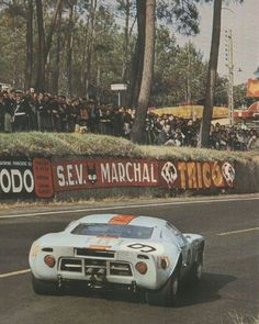 LM 1968 ♦ Winning Ford GT40 #9 of Pedro Rodriguez / Lucien Bianchi.