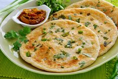 Quick Flatbread/Pita -- 1 plain yogurt teaspoon baking powder cup flourThis quick and easy flatbread recipe is perfe. Quick Recipes, New Recipes, Cooking Recipes, Favorite Recipes, Indian Recipes, Quick And Easy Flatbread Recipe, Longest Recipe, Paratha Recipes, Indian Breakfast