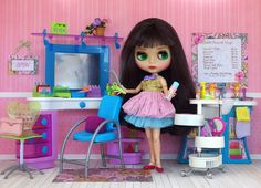 Blythe Beauty Shop - Photo by Debby Y Emerson - having been a hairdresser for 32 years, I just had to have a shop for the dolls.