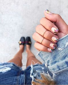 The Spring 2019 Nail Trends You Need To Know Mirror Silver Rainbow Nail Chrome Powder Dust Magic Holographic Nail Art Decor Manicure Laser Glitter Dust 35 Spring Nail Design Ideas To Get An Excellent Look This Year Spring Nail Art, Nail Designs Spring, Spring Nails, How To Do Nails, Fun Nails, Pretty Nails, Matte Nails, Glitter Nails, French Tip Acrylic Nails