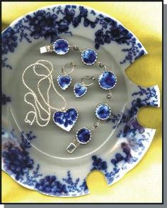 Showtime_pic4-273x340.jpg (273×340) Great idea from old china! Check out the website www.VintageKeepsakeJewelry.com for more cool things that can be done with broken/cracked china, glasses, silver, etc.