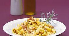 Richtig italienisch präsentiert sich dieses Pastagericht - sonnengetrocknete Tomaten, Pinienkerne und ein trockener Weißwein machen die Sauce für ...