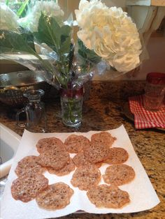 French Lace Cookies Brownie Recipes, Cookie Recipes, Lace Cookies Recipe, Elegant Cookies, French Cookies, Peanut Brittle, Cookie Do, Yule Log, Melted Chocolate